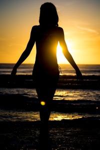 silhouette-602840_640
